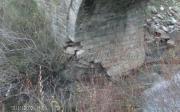 Πληγωμένο το γεφύρι από το ποτάμι